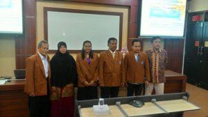 Prosesi Pemakaian Almamater sebagai simbol diterima mahasiswa sebagai bagian dari keluarga besar FEB UNIKAMA