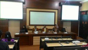Dr. Christea Frisdiantara, SE, Ak, MM (Wakil Ketua PPLP-PT), Prof. Dr. Achmad Sudiro, SE., ME (Dekan FEB), Dr. Agung Yuniarinto, MS (Kaprodi MM), Dr. Vinus Maulina, MM (Sekretaris MM) - dari kanan ke kiri